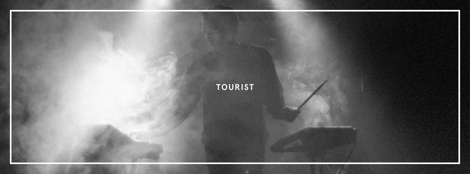 DYLTS - Tourist - Wait